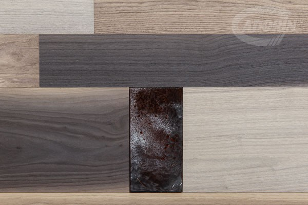 Wall coverings - Walnut planks and Lustri Veneziani