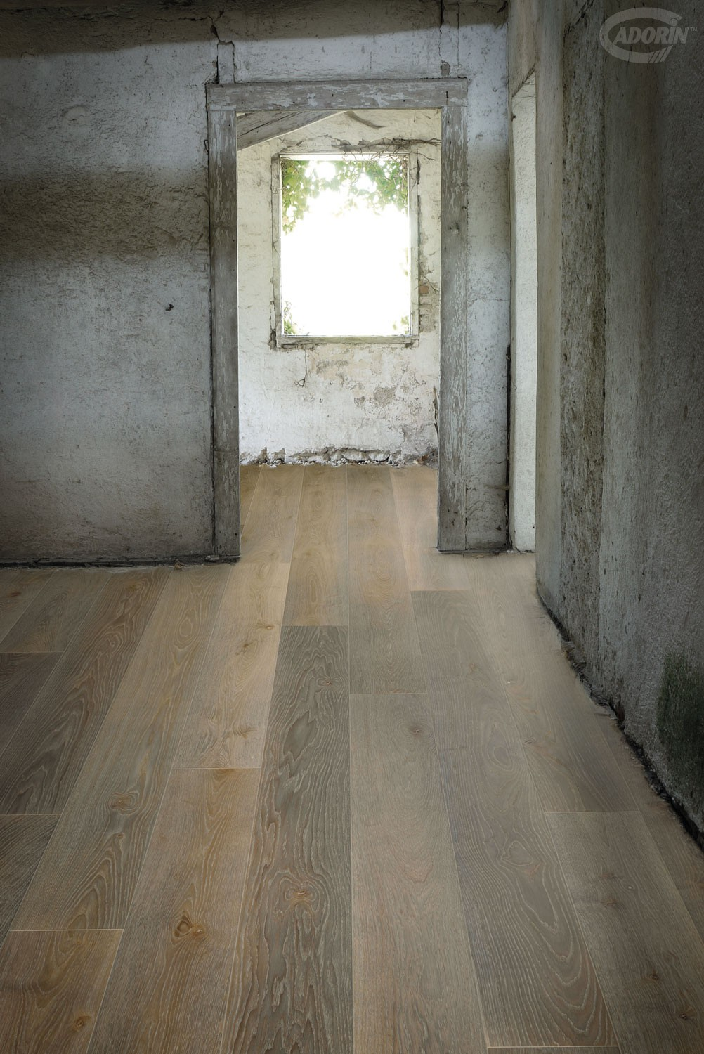 Must - European Oak - Brushed