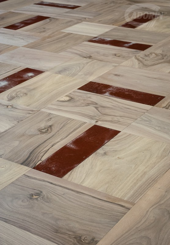 Old Walnut and Lustri Veneziani - Old Walnut module flooring matched with MATT and GLOSS LUSTRI VENEZIANI flooring tiles