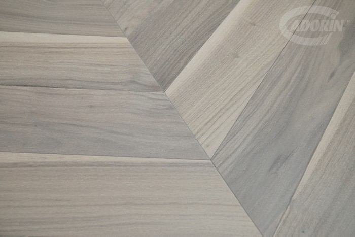 Bleached American Walnut – Chevron 60° - brushed