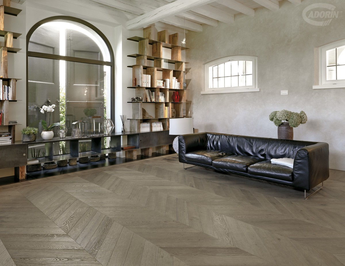 Chevron 45° Module - European Oak - Grey Sand varnished – Brushed