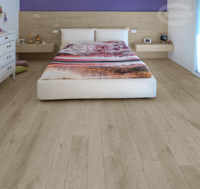 Quercus Contorta Sandblasted Rock  - Wood flooring and headboard covering with daisy-shaped inlays
