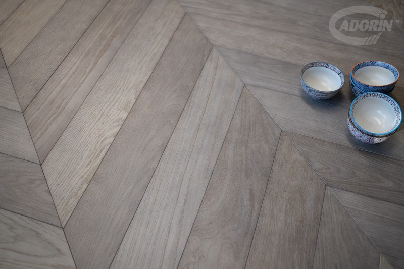 Chevron 45 Module - European oak - Brushed, Dolomia Grey finishes