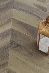 Chevron 60° Module - European Walnut - Brushed, Raw effect finishes