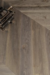Chevron 45 Module - European Quercus - Brushed, Must finishes