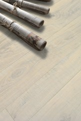 Contorta Quercus - Saw cutting - Travertine varnished