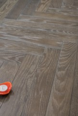 90° Herringbone module - Medlar oak, brushed